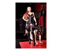 Mistress Milano Il Dungeon Attrezzato di Regina