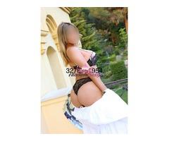 Escort affascinante bionda sexy con fascino ed eleganza 3278751954