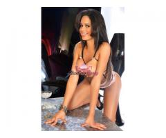 Trans Roberta Clowss molto femminile con un bel bastone 3486984367